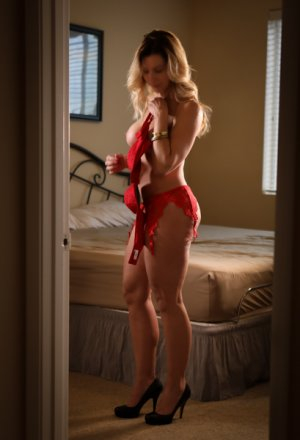 Tessie independent escort in Mount Pleasant