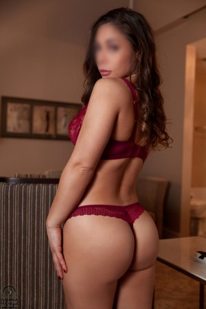 Nenette vip independent escorts in Kaneohe Hawaii
